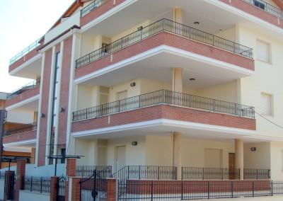 <b>Residenza DOMUS AUREA </b> <BR>Roseto degli Abruzzi, Teramo – Fabbricato residenziale formato da n°8 unità immobiliari, un piano interrato e quattro fuori terra