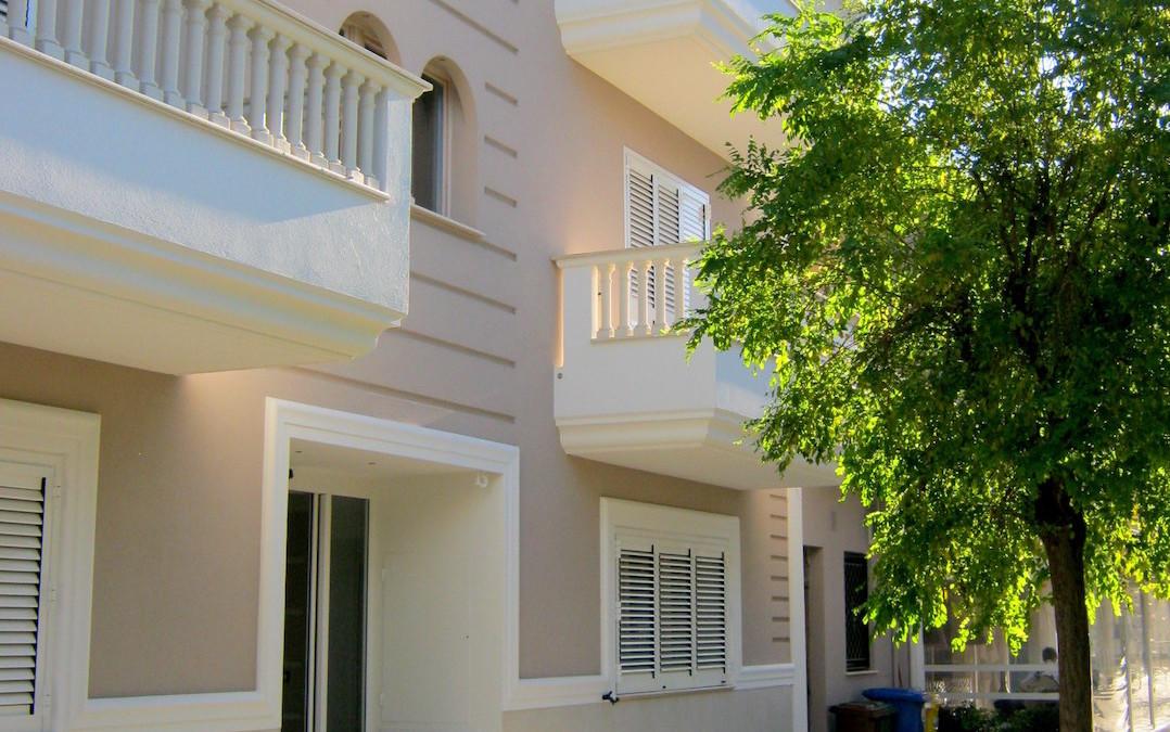 Residenza CORTE GARIBALDIRoseto degli Abruzzi, Teramo – Fabbricato residenziale formato da n°6 unità immobiliari, un piano interrato e tre fuori terra
