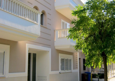 <b>Residenza CORTE GARIBALDI</b><BR>Roseto degli Abruzzi, Teramo – Fabbricato residenziale formato da n°6 unità immobiliari, un piano interrato e tre fuori terra